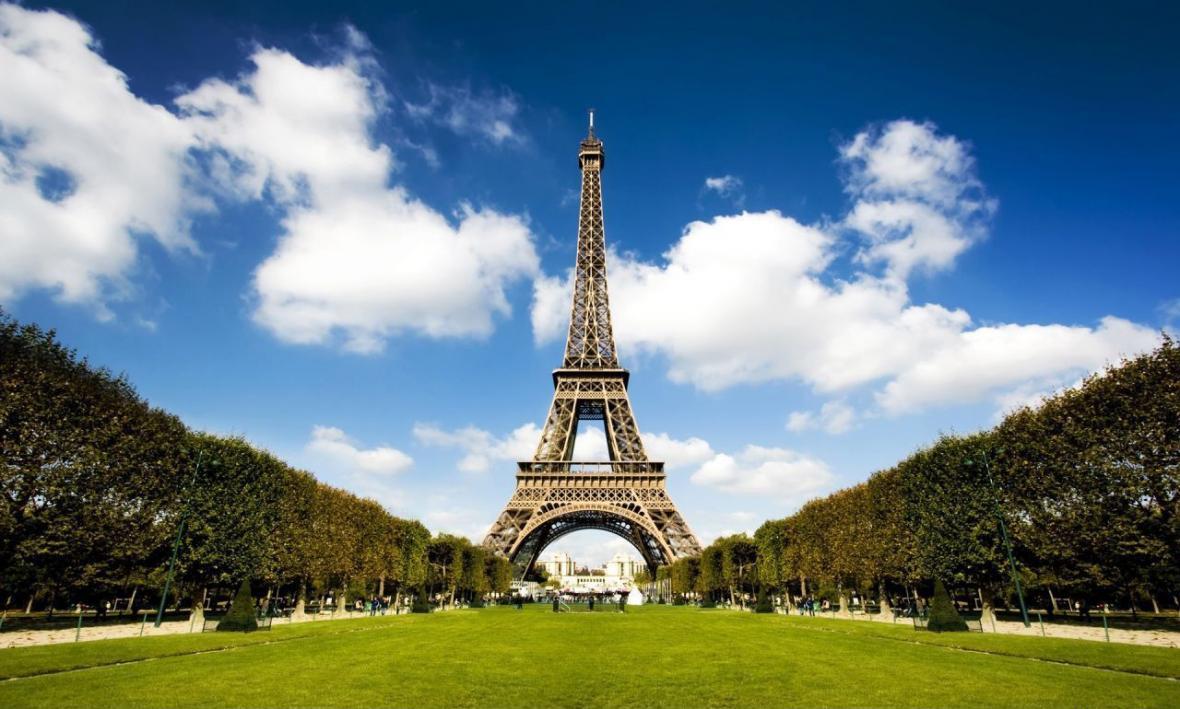 گشتی در شهر پاریس کشور فرانسه