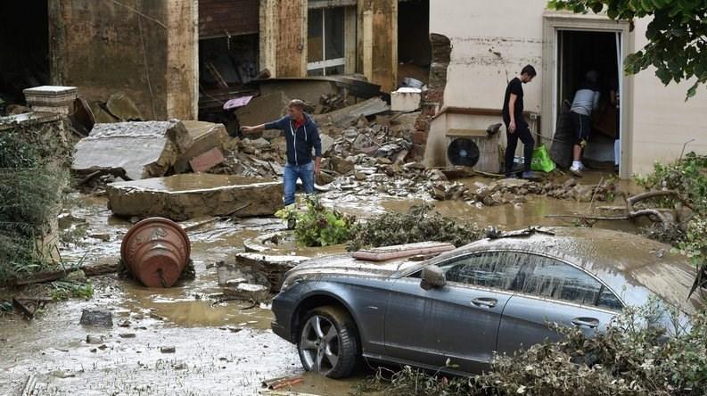جاری شدن سیل در ایتالیا با 6 کشته و چند مفقود