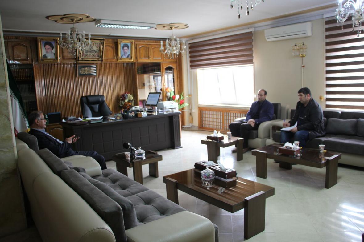 خبرنگاران فرماندار ماکو: اعتماد مردم به رسانه های رسمی نباید خدشه دار شود