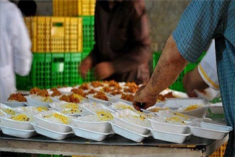 154 پرس غذا بین سی و پنج خانواده محروم توزیع شد