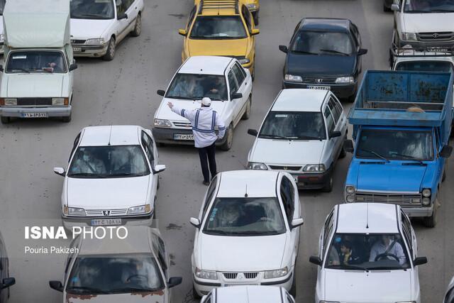 ترافیک نیمه سنگین در محور قزوین-رشت، بارش باران در جاده های چهار استان