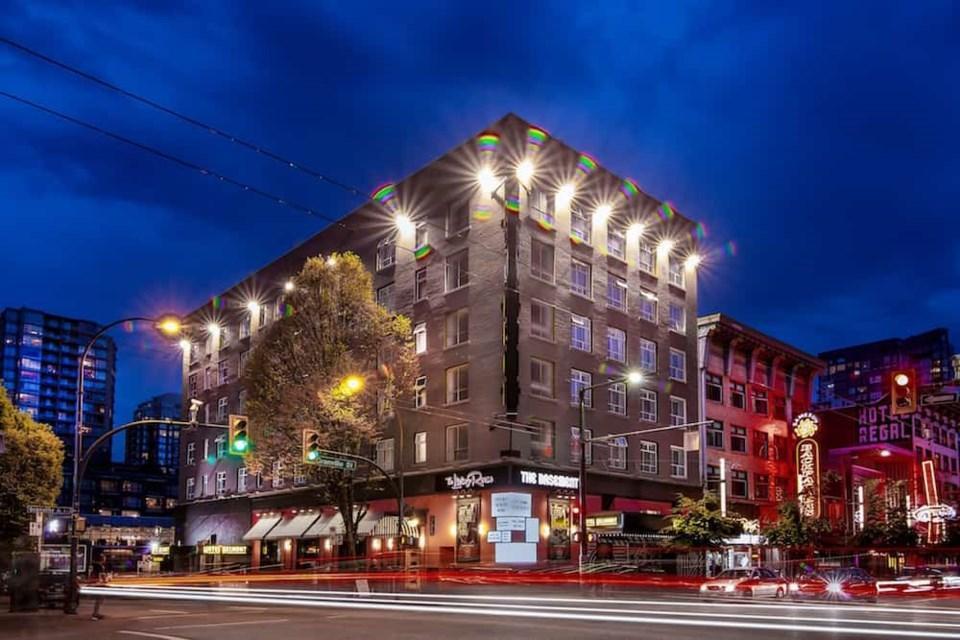 پیشنهاد هتل ونکووری برای آن هایی که از کار کردن در خانه خسته شده اند