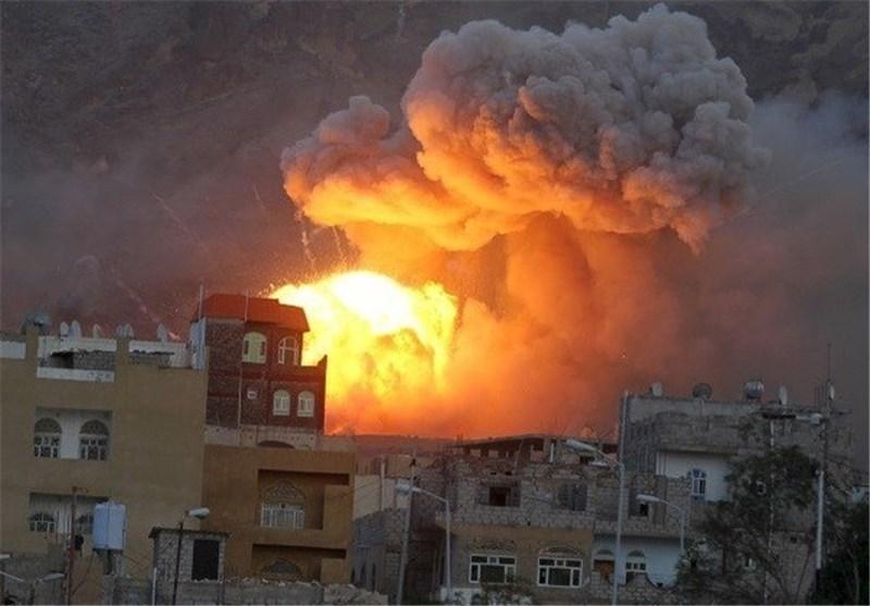 شلیک بیش از 30 راکت به سوی مناطق مسکونی یمن توسط جنگنده های سعودی-آمریکایی