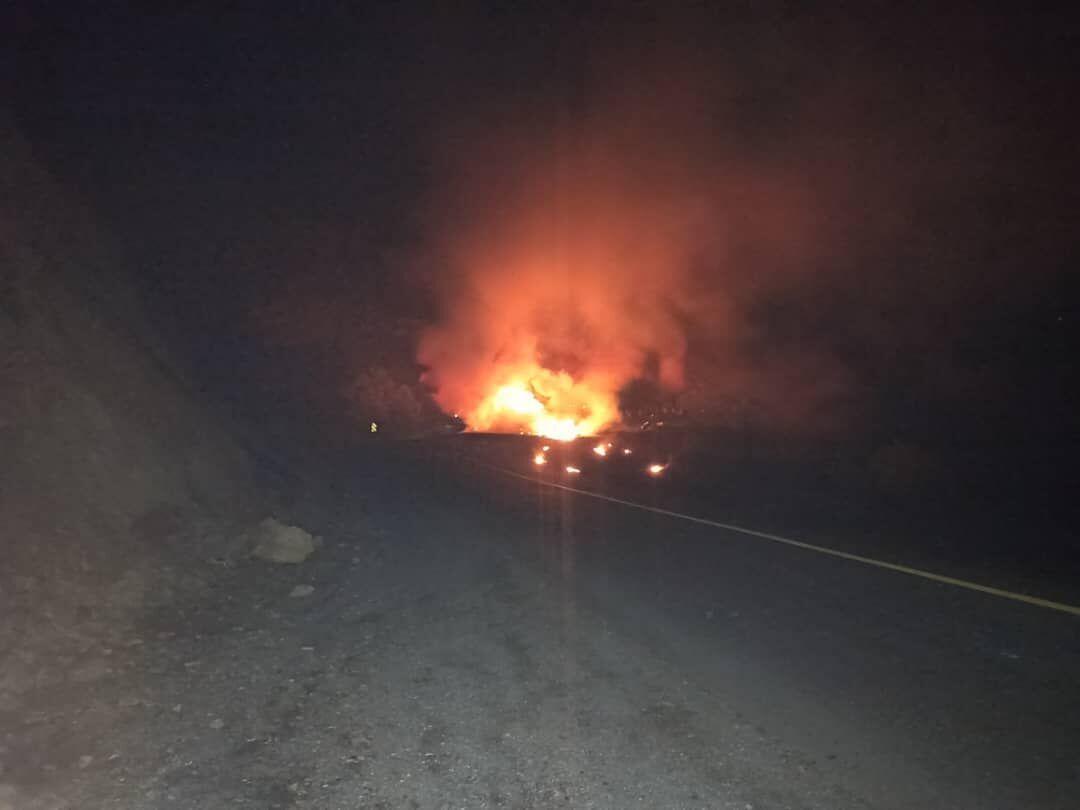 خبرنگاران انفجار تانکر حامل بنزین جاده سنندج - سروآباد را بست
