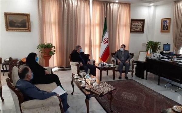 زینی وند خواستار قانونی شدن فرایند ثبت نام و نظارت بر مدارس سفارت خانه ها در تهران شد