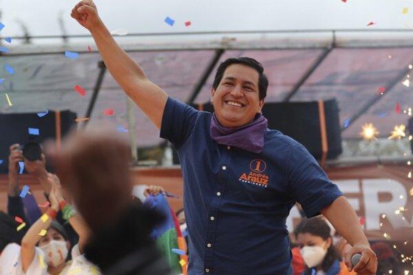 نامزد سوسیالیست اکوادور مدعی پیروزی در انتخابات ریاست جمهوری شد