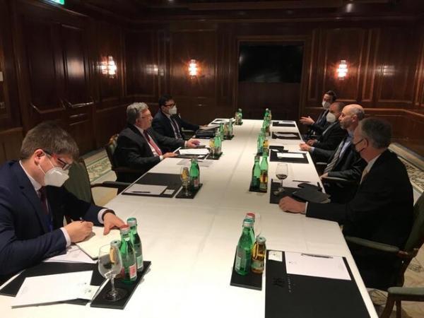 رایزنی روسیه و آمریکا در وین درباره احیای برجام و لغو تحریم های ایران