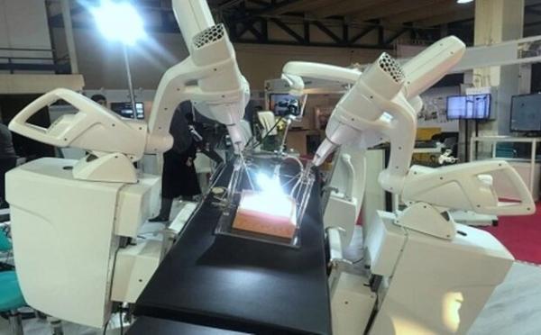 اولین جراحی روباتیک از راه دور با دستگاه ایرانی انجام شد